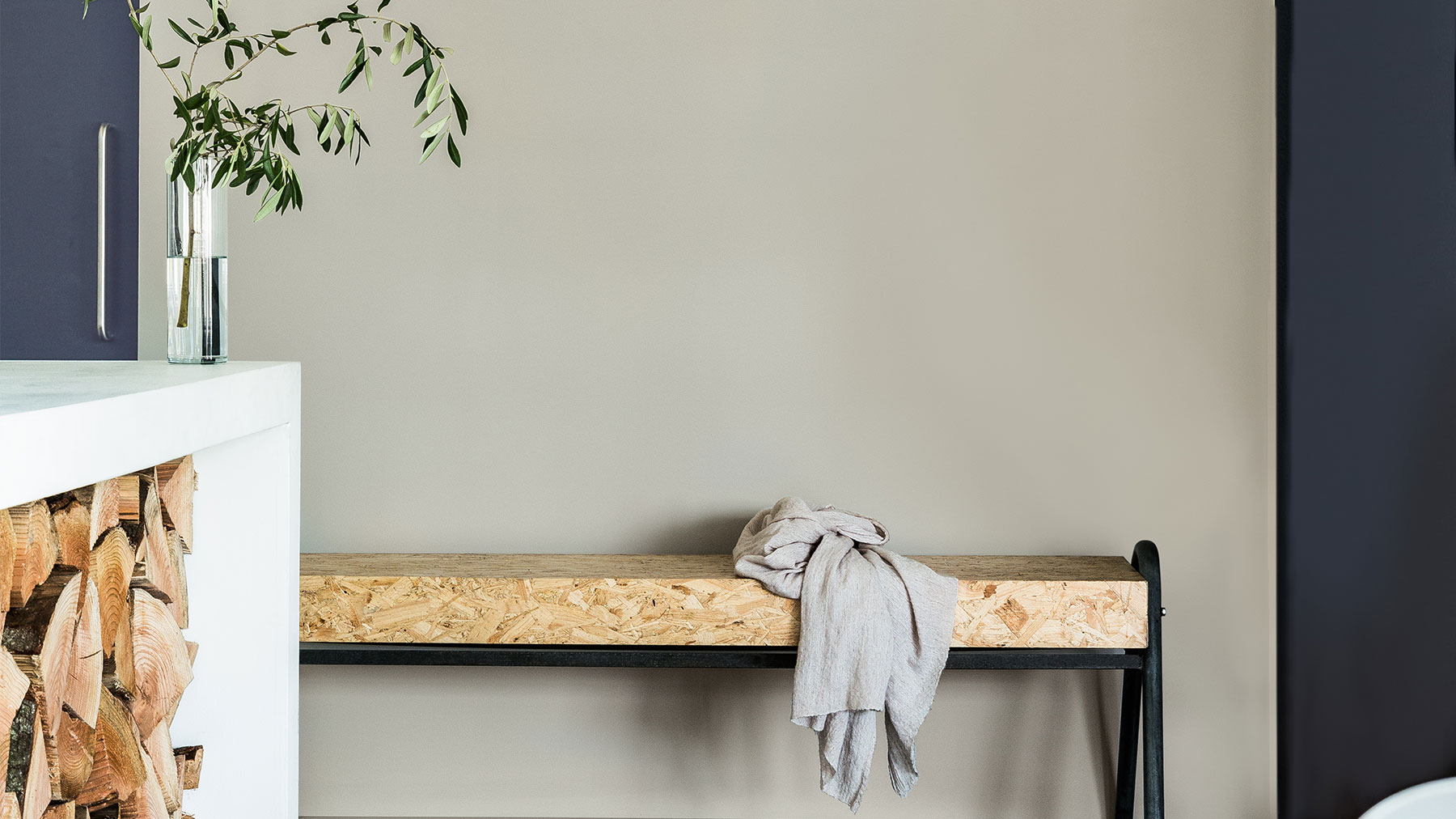 4 Ways To Decorate With Grey Dulux